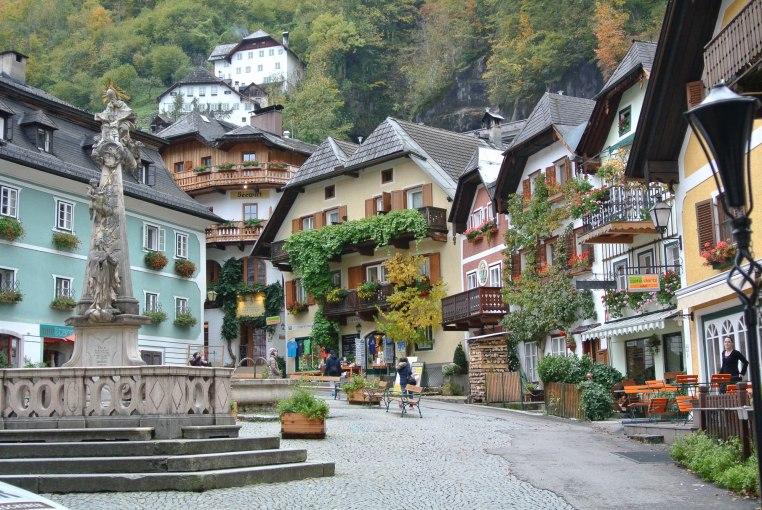 The picture-perfect Hallstatt town square.