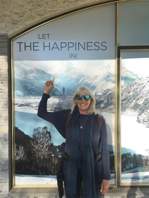 Yes, she loves the mountains, even a poster!